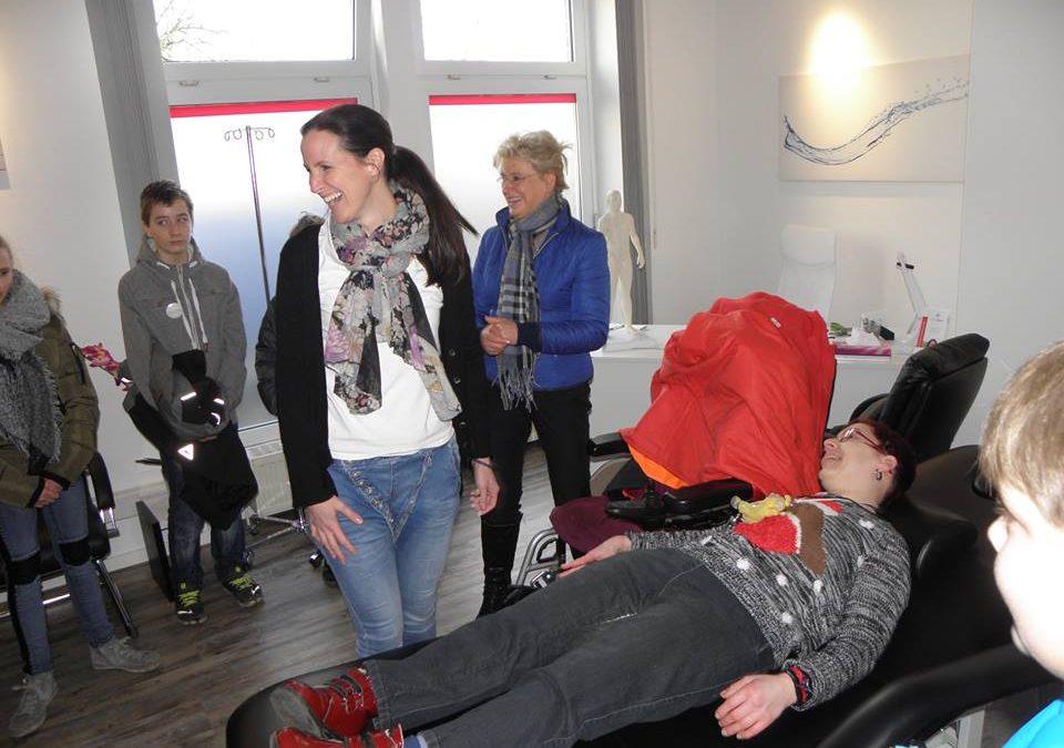 Marion Broks bei einer Schulung